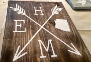 10 Photos That Will Inspire You to Take Your Significant Other to Create Wood Sign Art