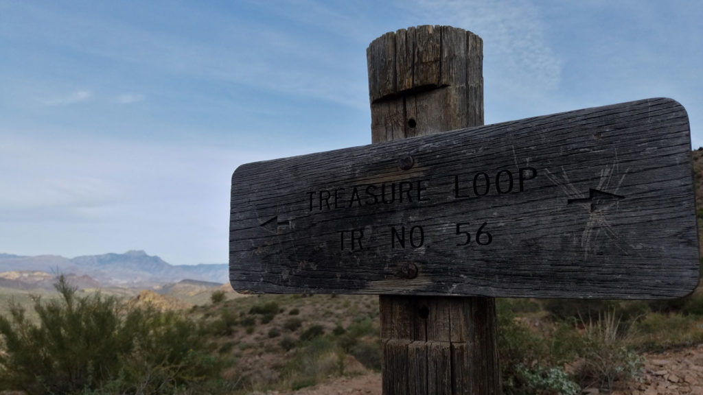 11 Photographs that Will Cause you to Hike Treasure Loop Trail entrance sign