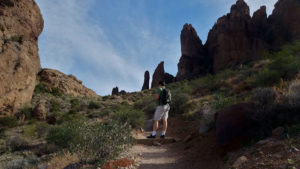 11 Photographs that Will Cause you to Hike Treasure Loop Trail entrance view (6)
